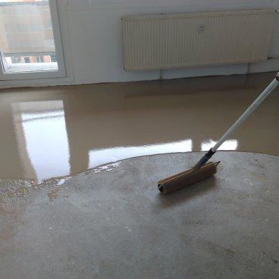Byt Plzeň - koberec lepený 85m2