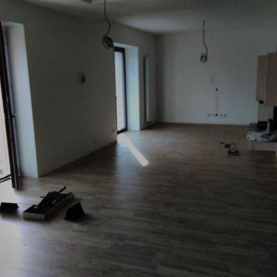 RD Plzeň - plovoucí podlaha+vinyl se zámkem 160m2